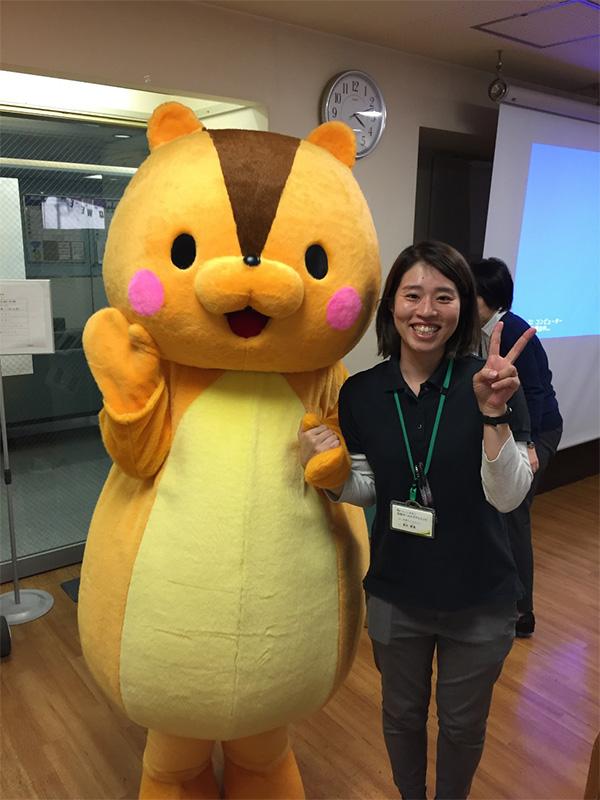 品川区ゆるキャラ・くるみちゃんツーショット